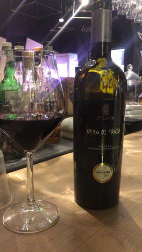 cantine-spelonga-vino-nero-di-troia